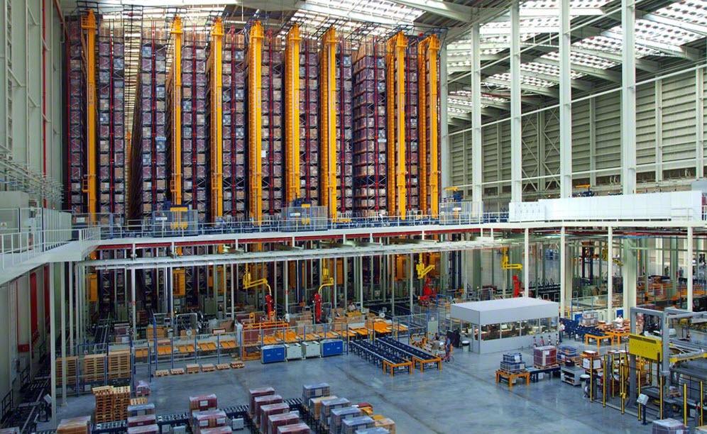 Armazém autoportante automático aplicado ao setor cerâmico | Casos Prácticos | www.mecalux.pt