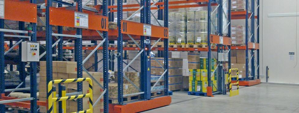 Duplicar a capacidade de armazenagem e reduzir os custos com estantes sobre bases móveis