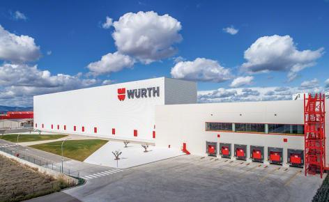 Um armazém chave na mão 100% automatizado para a Würth