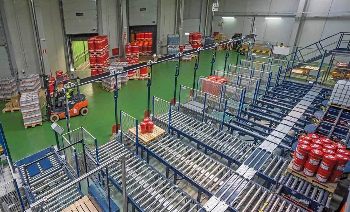 Os sistemas automáticos facilitam a carga e descarga das mercadorias, um aspeto fundamental para o sistema JIT