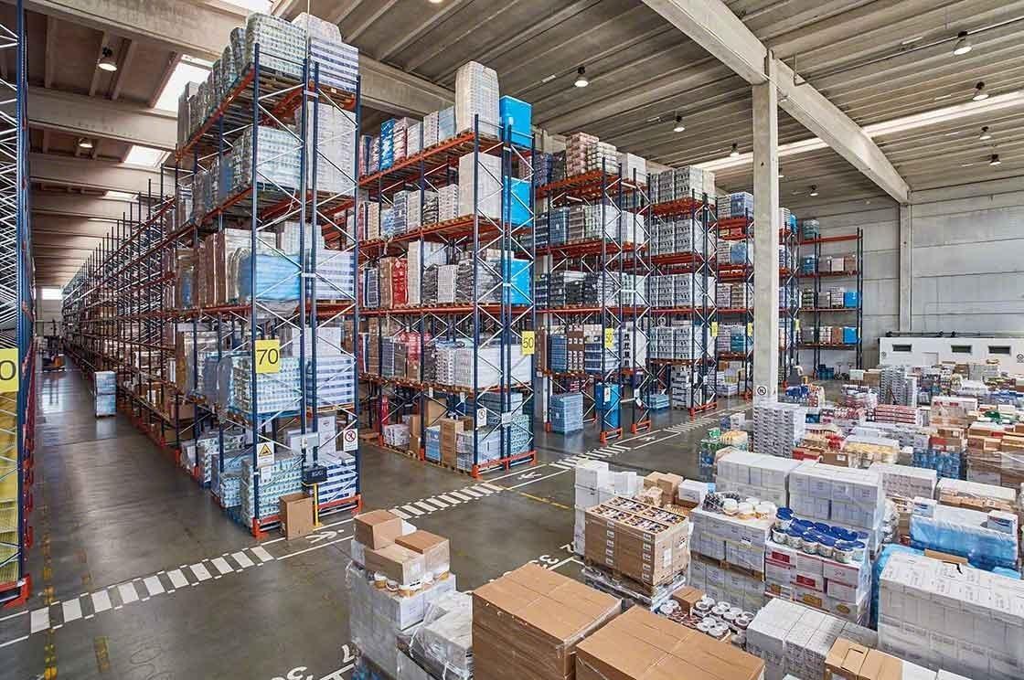 A enorme variedade de produtos agrega complexidade à gestão de stock no armazém