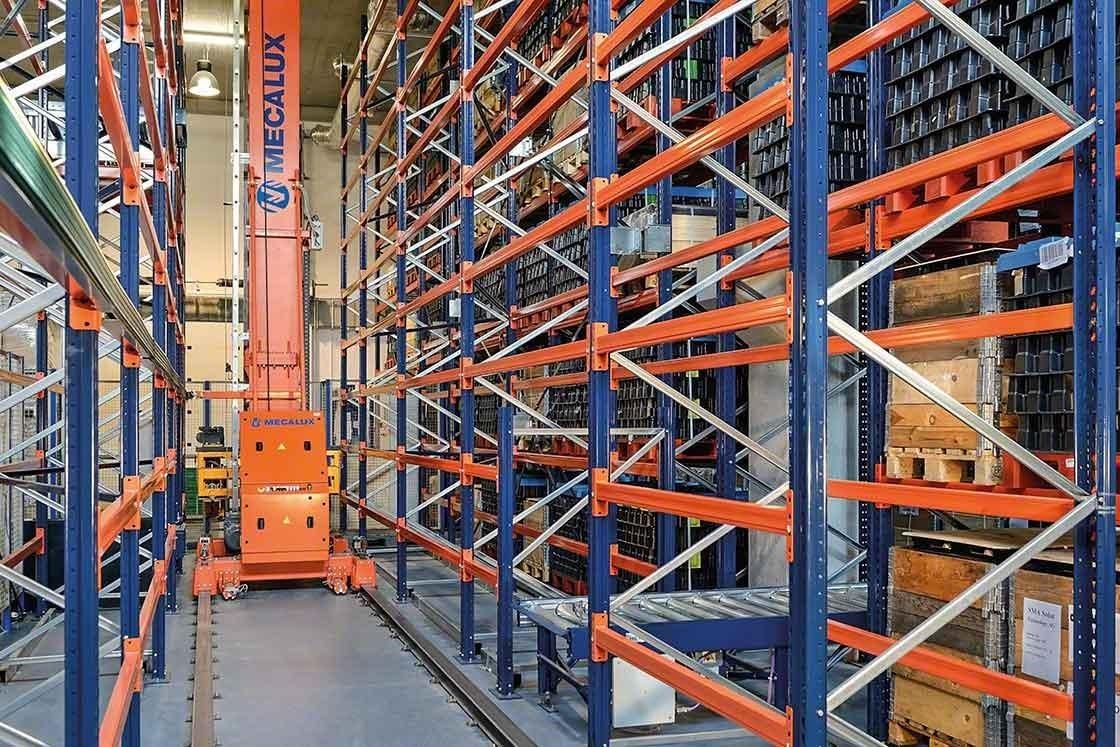 Os transelevadores permitem reduzir deslocações com cargas a uma maior velocidade com um impacto direto na produtividade do armazém