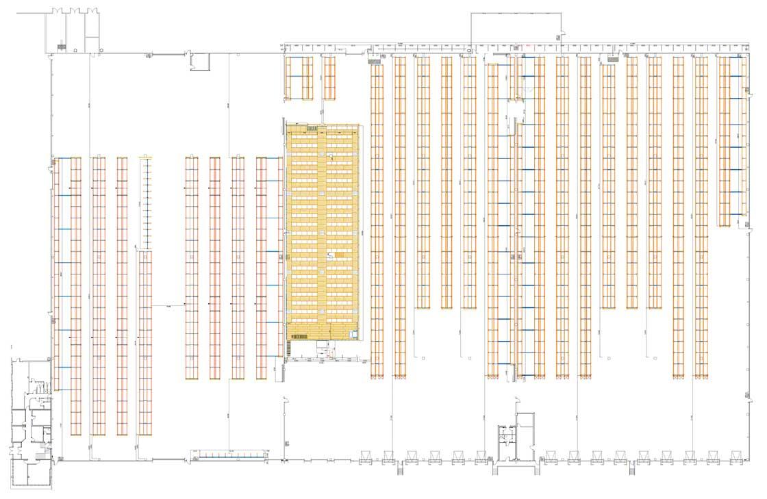 'Layout' de um armazém setorizado com área de armazenagem, picking e estantes cantilever