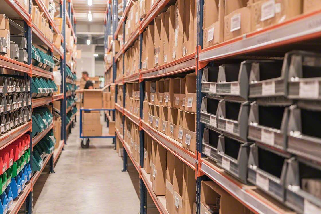 O 'pick-to-cart' é recomendado para armazéns com produtos pequenos e fluxos moderados