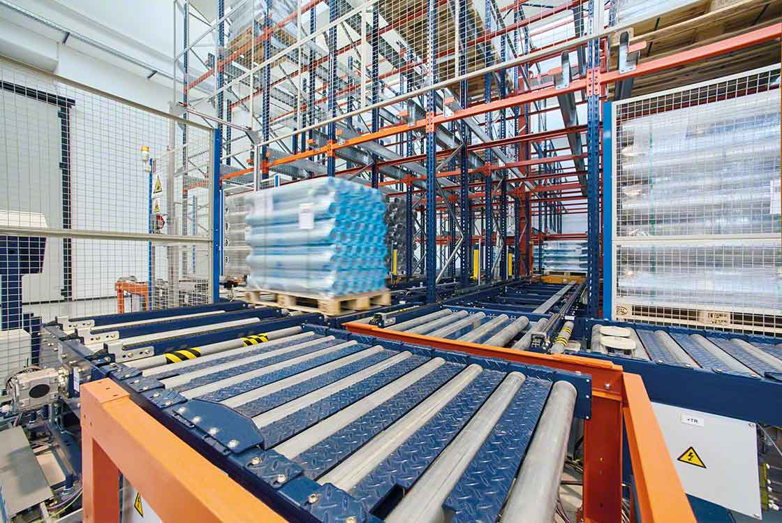 A automatização do movimento de cargas reduz os 'lead times' do armazém, melhorando a rotatividade dos produtos e a segurança do stock mínimo
