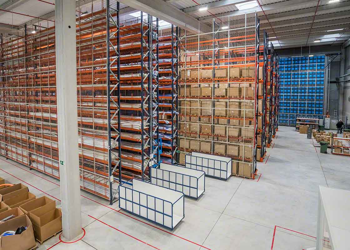O stock excessivo decorrente do efeito chicote pode colocar a capacidade de armazenamento das instalações em uma situação difícil